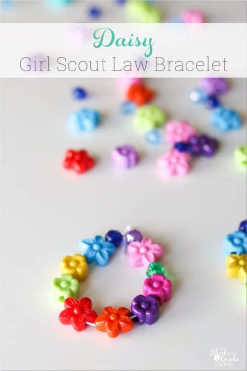 Adorable Ideas for Daisy Girl Scouts. Has ideas for the Girl Scout Law/Promise and meeting activities for the petals. Love these!