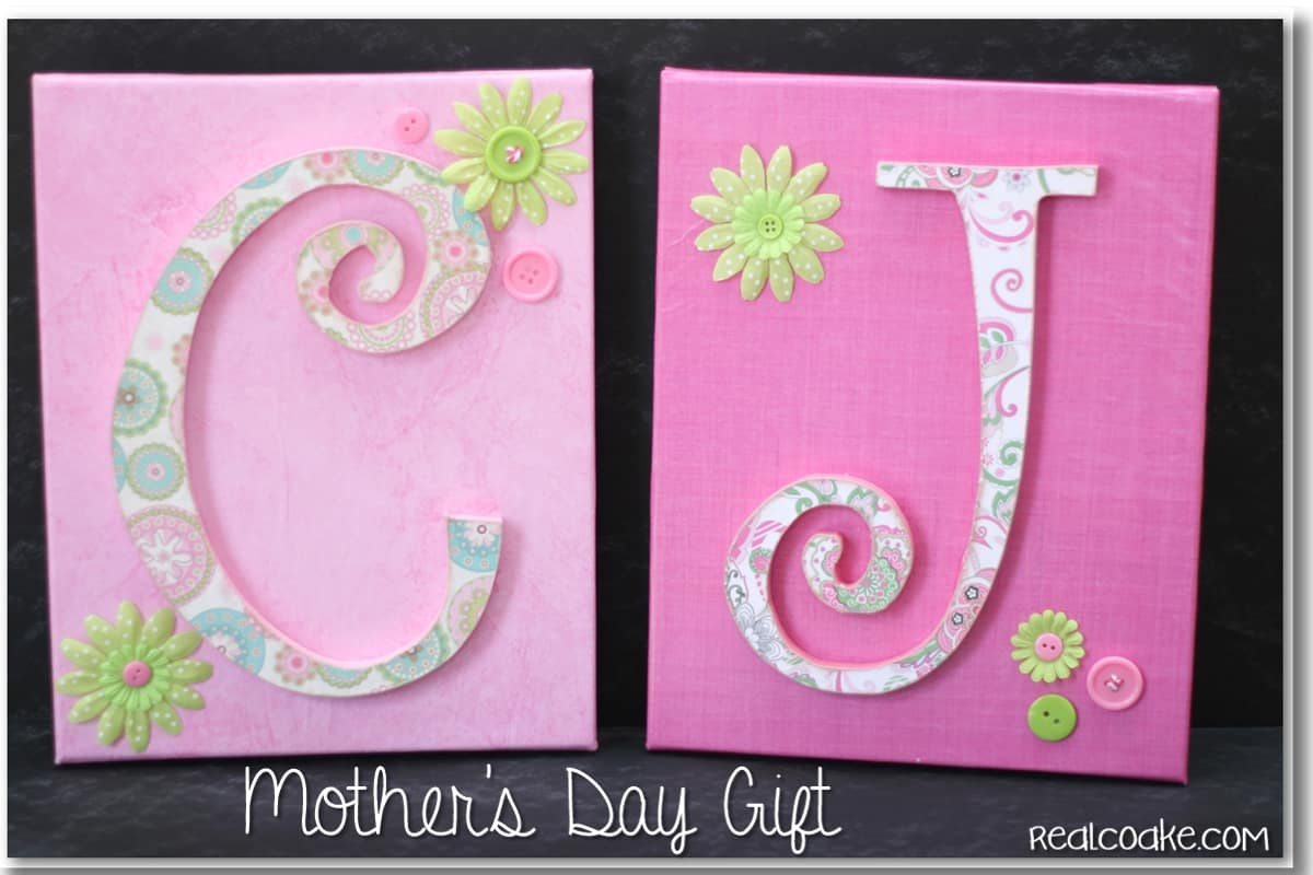 Mother's Day Gift idea of a personalized decorative monogram. #HomeDecor #WallArt #Crafts #Gifts #RealCoake
