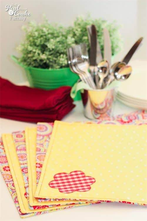 stack of placemats made with free pattern