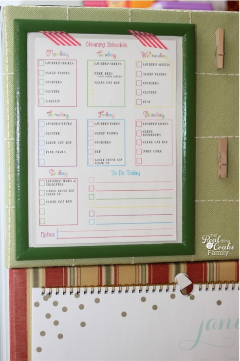 Organization tips - talking about creating a simple plan for completing the cleaning around the house. #Organization #Cleaning