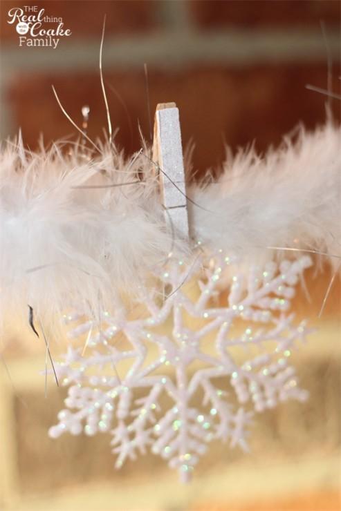 10 minute craft ideas to make cute glitter clothespins. #Crafts #Glitter #Clothespins