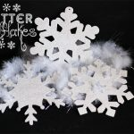 10 Minute Craft Ideas ~ Glitter Snowflakes