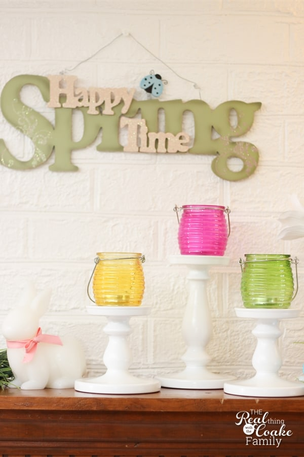Ideas for a cheery, colorful, and pretty spring/Easter Mantel. #HomeDecor #Mantel #Easter #Spring #RealCoake