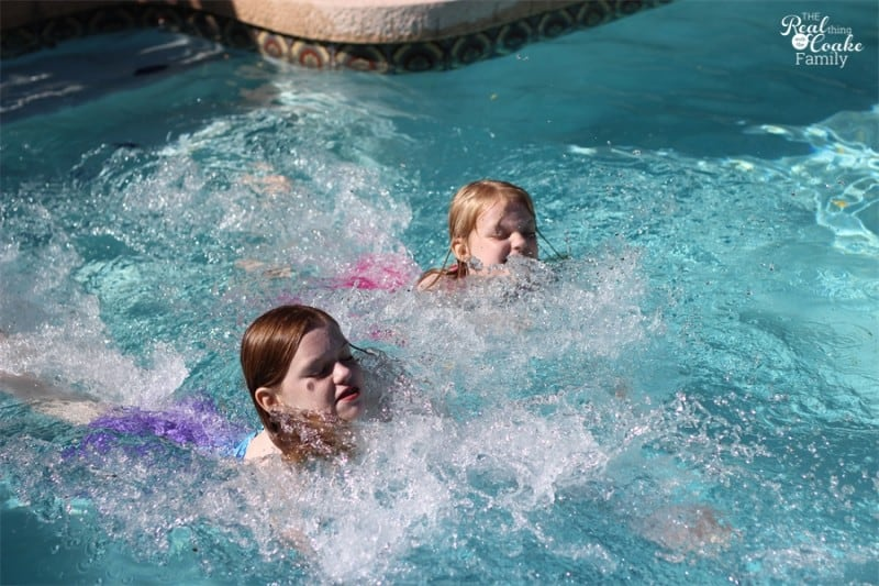 Summer activities with kids can be hard to find all summer. Here are 5 great tips for a fun summer with your kids.  #ItsAllGood #PMedia #Ad #SummerFun #Activities #Kids #RealCoake
