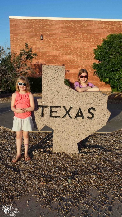 1 mom, 2 kids, 5346 mile road trip with all kinds of fun! Great ideas of places to stop