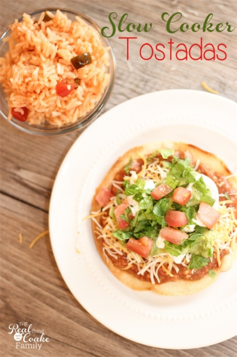 Slow Cooker Recipes make dinner time so simple and delicious - recipe to make tostadas in the slow cooker. #SlowCooker #Recipe #RealCoake