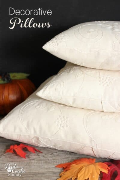 Easy to make and pretty fall decorative pillows. #homedecor #diy #fall #falldecor #livingroom #realcoake