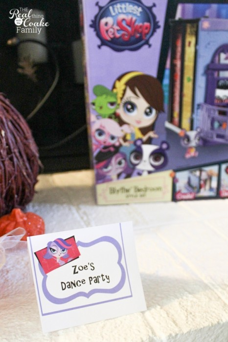 Love this Littlest Pet Shop birthday party! So many fun and creative birthday party ideas for girls. #LittlestPetShop #MC #Sponsored