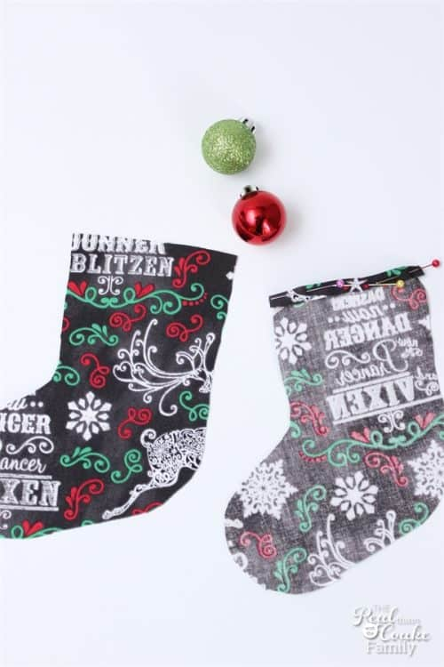 Love Christmas Ideas that are so cute! This cute utensil stocking will look great on our table and is a simple sewing project.
