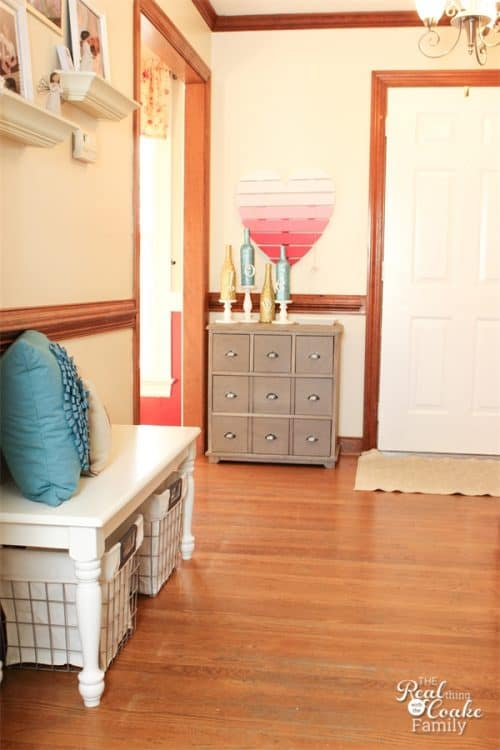 Great Home Decorating ideas to create an inviting entryway that reflects my style, my lifestyle, and my home decor. So pretty! Sponosred