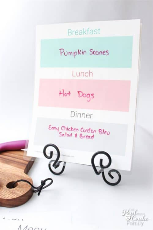 This free meal planning printable is going to help my meal prep for the week and help me save money grocery shopping as well!
