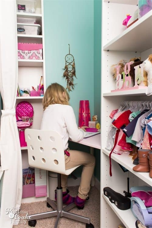 This corner desk is a genius use of a small space. It is a DIY desk that involves an IKEA Hack. Fun!