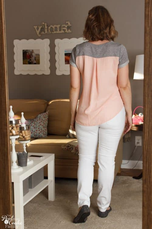 Love this honest Stitch Fix Review with fun Winter and Spring Fashion. Love the cute outfits!