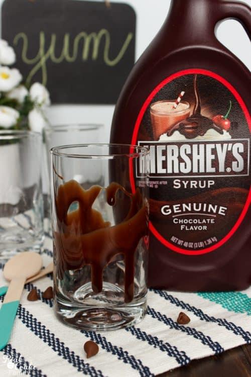 Oh my yumminess! Vanilla Chocolatey Chip Frappe recipe - perfect summer treat or any day treat.   Recipes