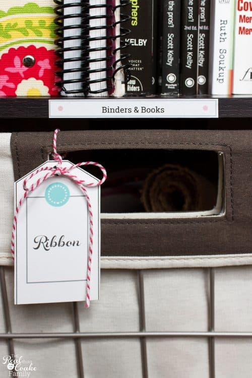Great Organized Home Office - tons of organization ideas for a small space and adding some cuteness and personality. Love the printable labels and tags.