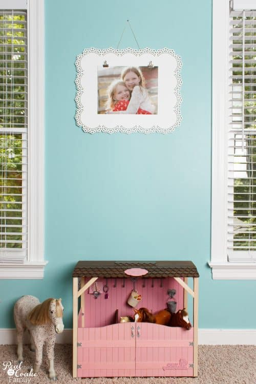 This is such pretty DIY Wall Art. So easy to make and so pretty. I love that it can be changed anytime. Perfect for my girls bedroom or our other home decor.