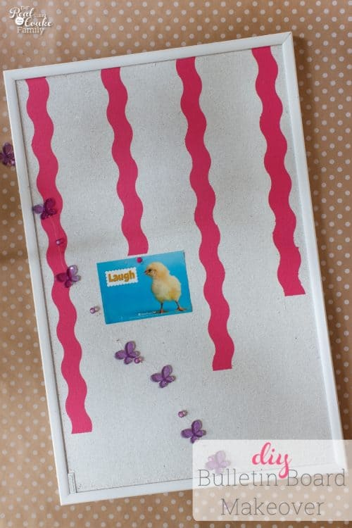 Such a cute and simple DIY Bulletin board makeover. It is so fun and is perfect for this girl's room makeover.