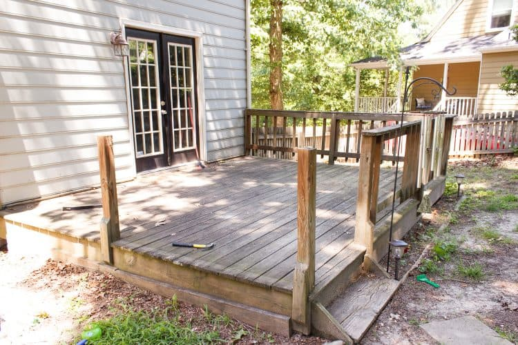 Great cheap DIY small deck ideas. Ways to fix up our backyard outdoor space on a budget.