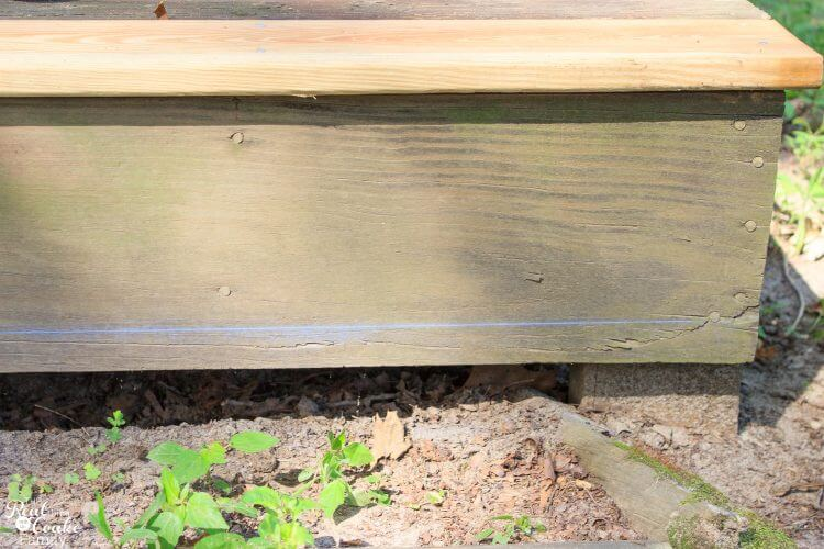Great DIY deck restore project on a small budget. Love the cheap ways to fix up the backyard outdoor space.