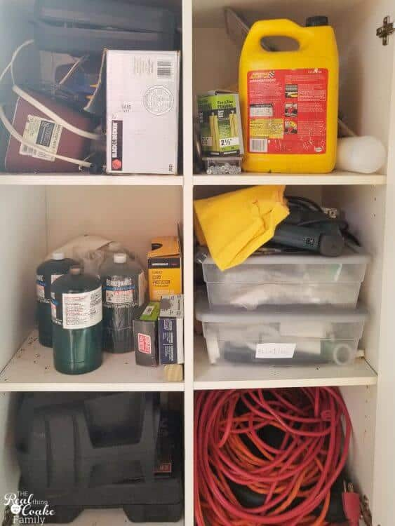 Such great DIY shed ideas to organize the garden tools, pet supplies, and our tools. Love the tips and Rubbermaid storage idea. These would work great for our garage as well.