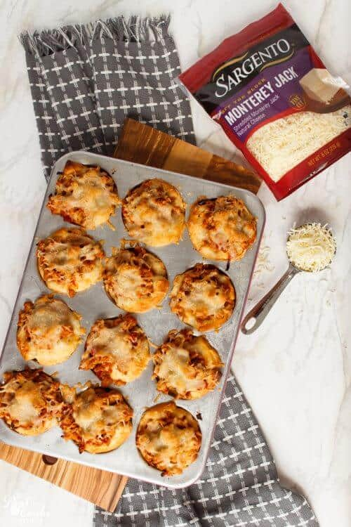 Love finding delicious, quick and easy recipes. These 5 variations of biscuit cups are great family dinner ideas that the kids and whole family will love.