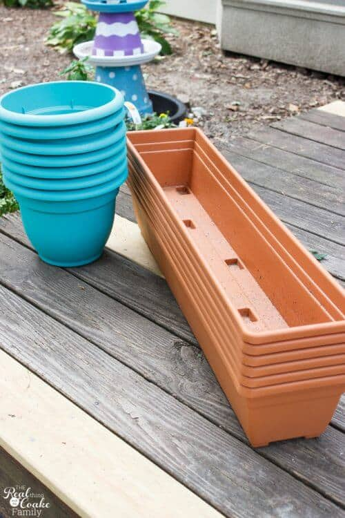 picture of 2 stacks of plastic pots