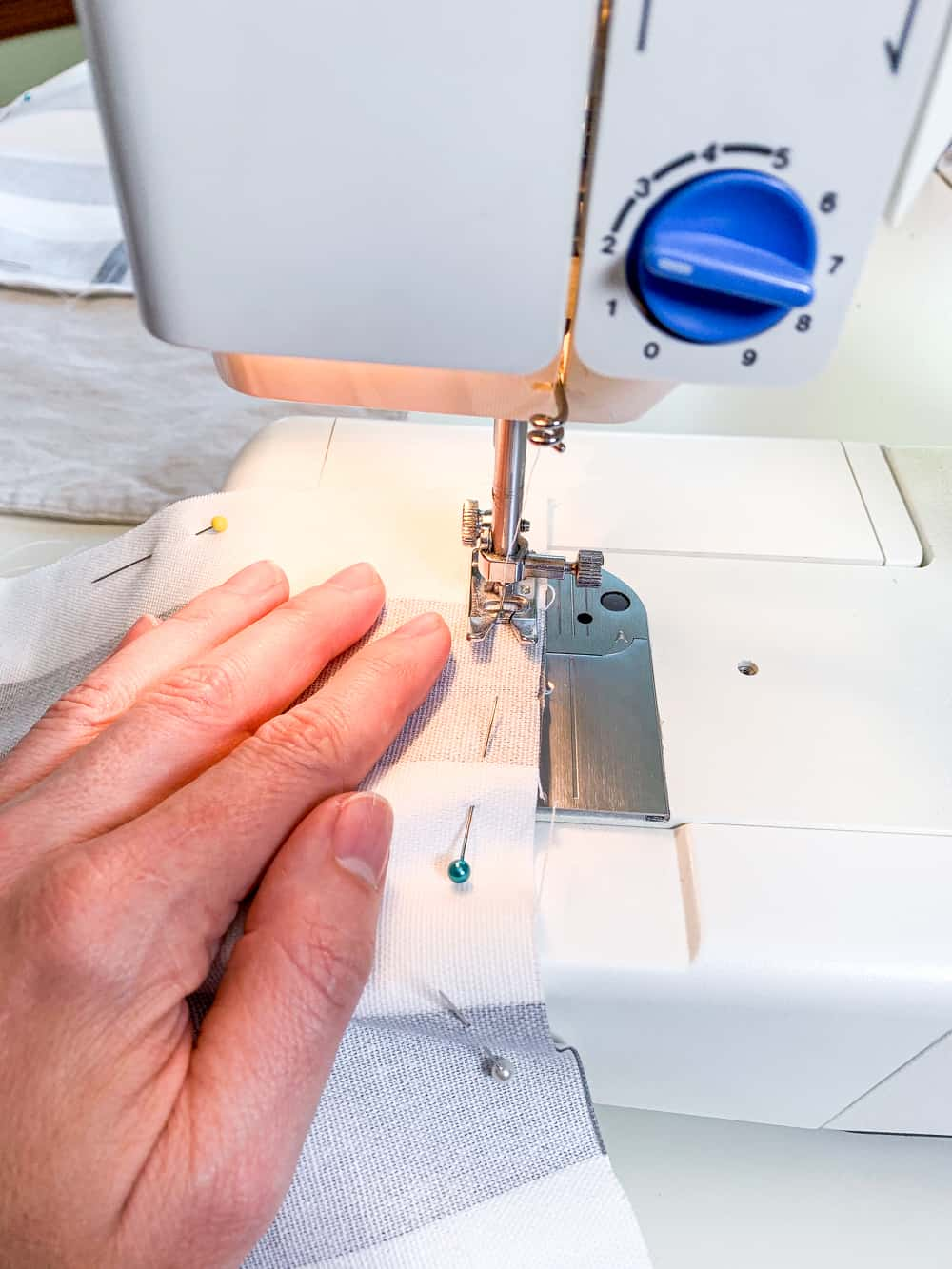 sewing machine sewing pillow
