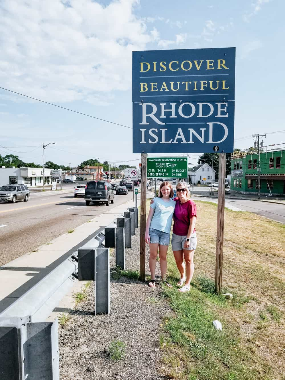 mom and daughter at Rhode Island state line